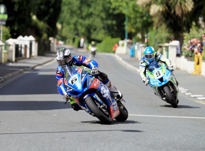 2017 isle of man tt qualifying saturday results michael dunlop 1